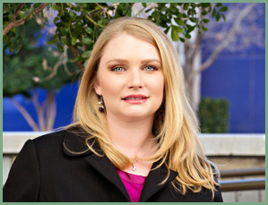 Dr. Amanda Hollingsworth - Board-Certified ObGyn - El Paso, TX